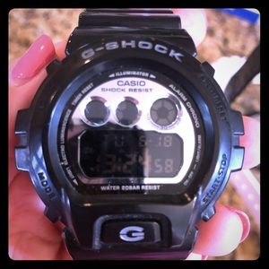 Casio G Shock DW 6900-glossy black- like new for sale